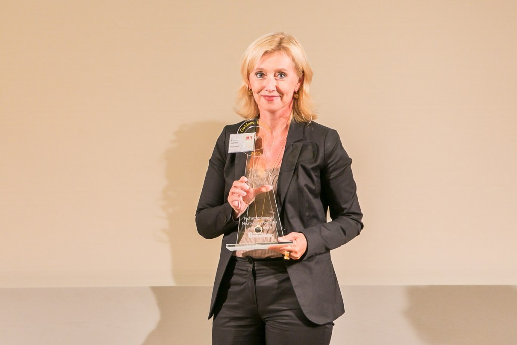 Dr. Andrea Hofmaier, Senior Director MS Franchise Germany Biogen, auf der Preisverleihung