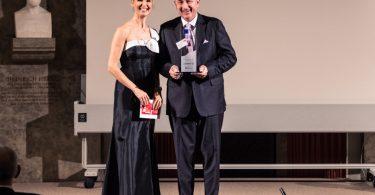 Georg Okroy, Leiter Vertrieb Biogen, auf der Preisverleihung