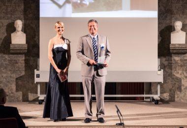 Gerd Czekalla, Business Unit Director Immunologie und Infektiologie, Janssen-Cilag, auf der Preisverleihung